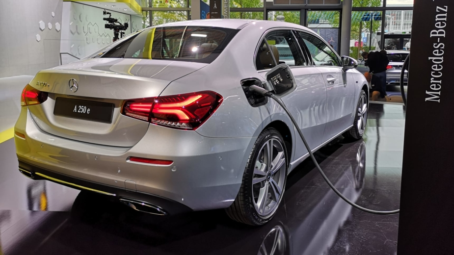 Mercedes-Benz A 250 e Sedan, Frankfurt 2019
