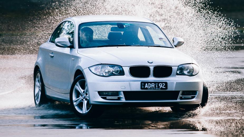 BMW Série 1 Coupé à chuva