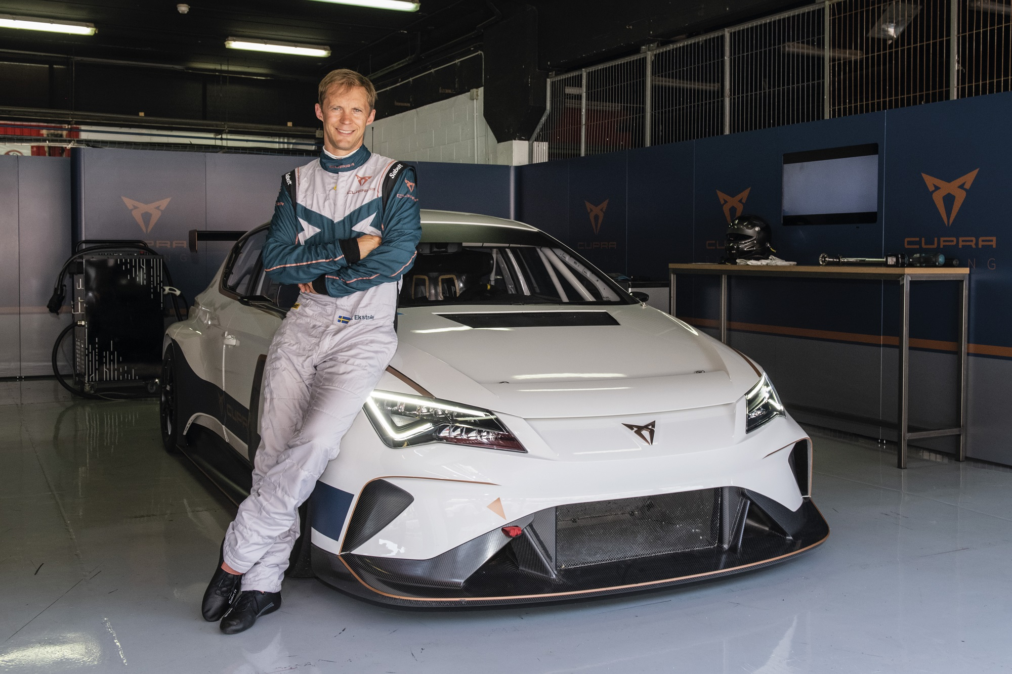 Mattias-Ekstrom_CUPRA E-RACER