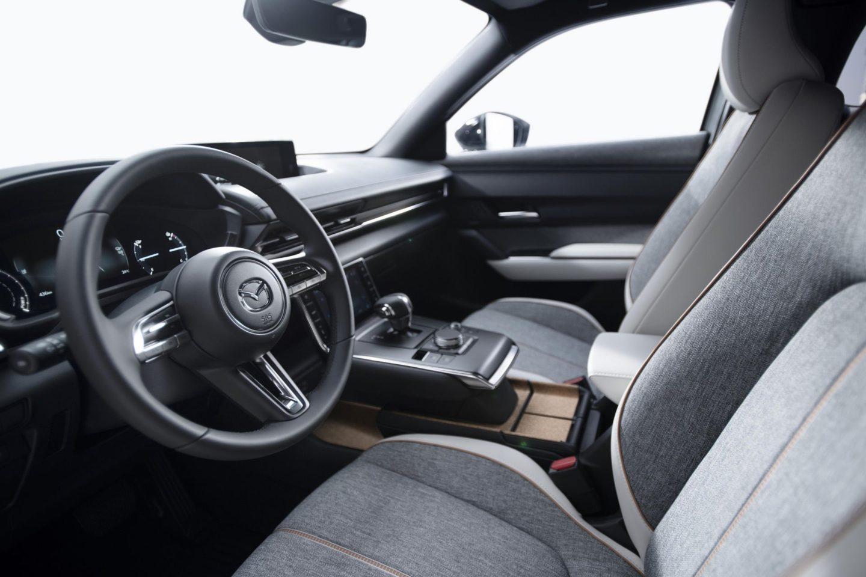 Mazda MX-30, 2020