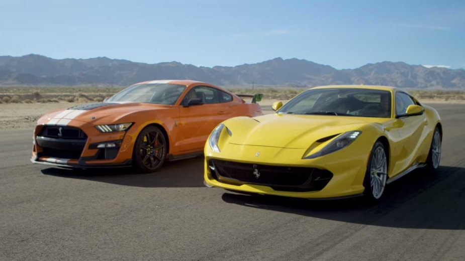 Ford Mustang vs Ferrari 812 Superfast