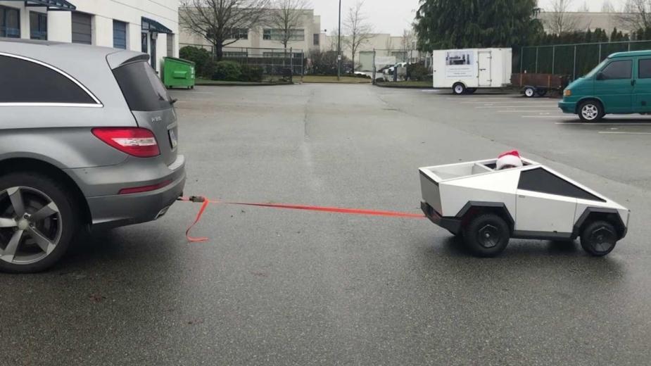 Mini Tesla Cybertruck