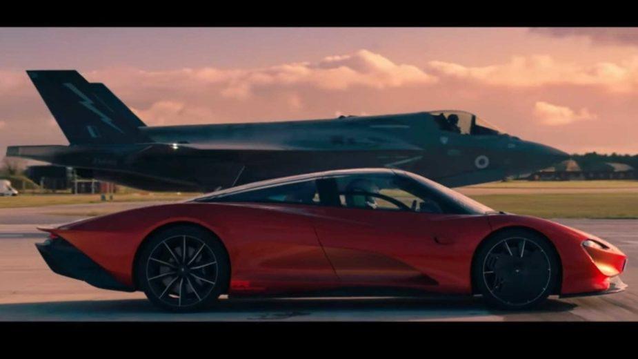 McLaren Speedtail vs F-35