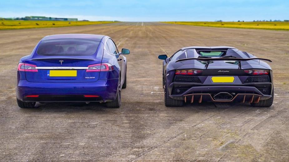 Tesla Model S Performance vs Lamborghini Aventador S Roadster