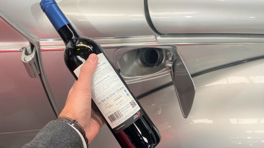 Motor de combustão a vinho tinto