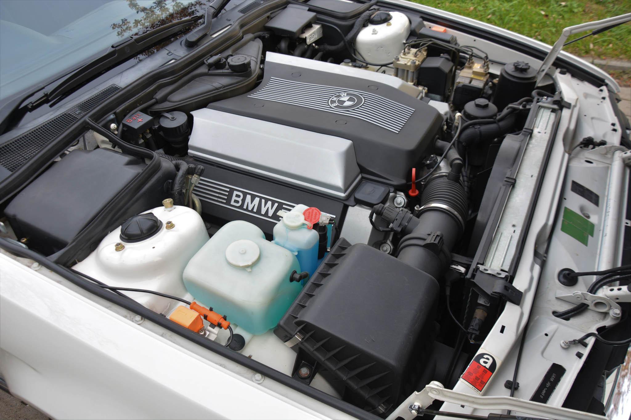 BMW 740i 1992