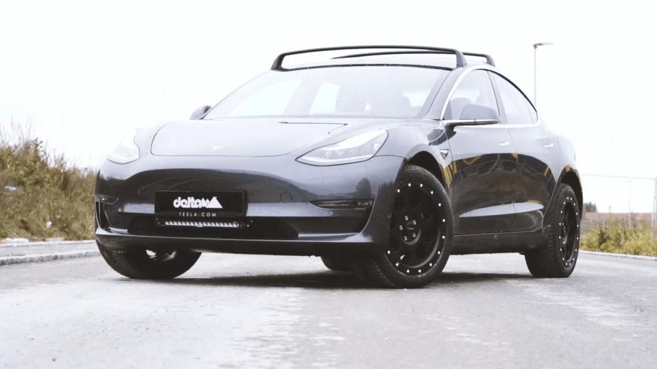 Tesla Model 3 delta4x4