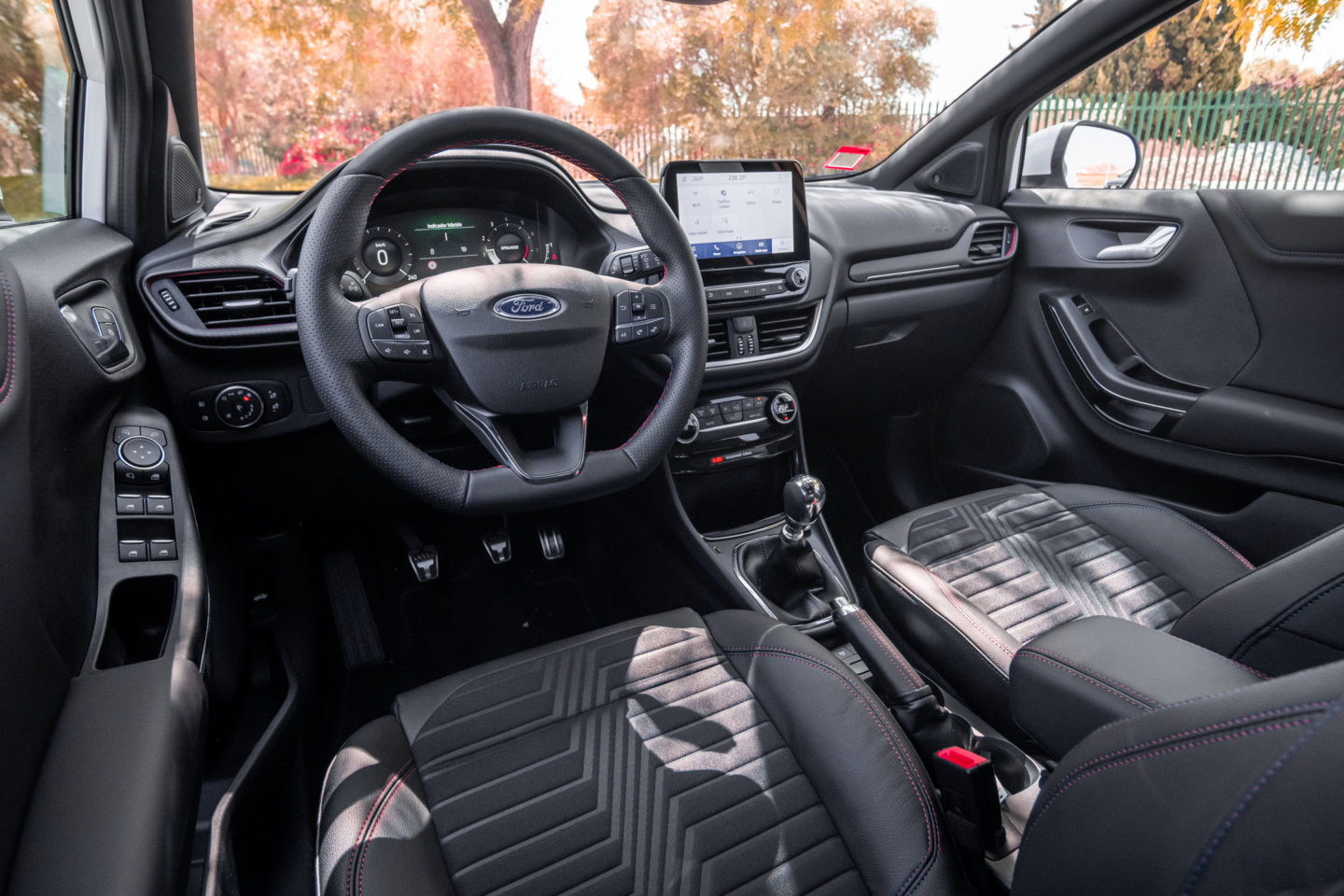 Interior do Ford Puma