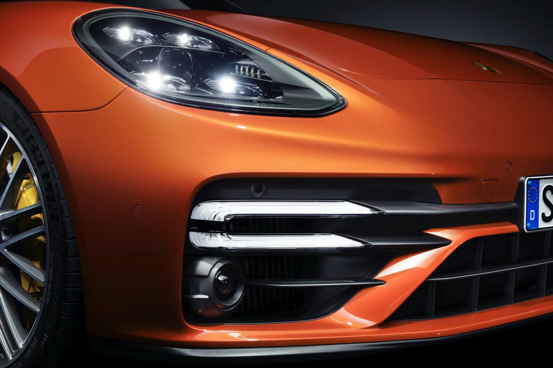 Porsche Panamera Turbo S 2021