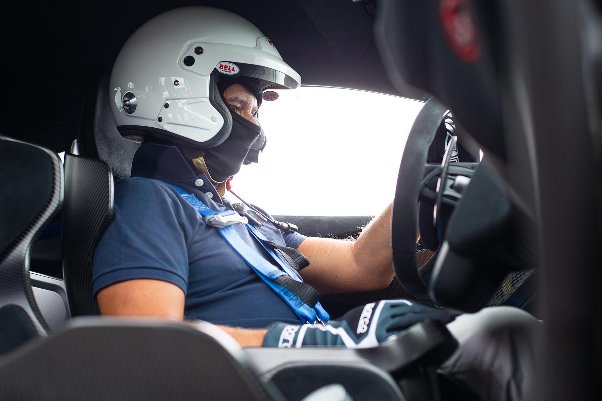 Joaquim Oliveira aos comandos McLaren 620R