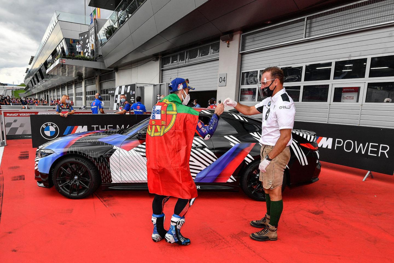 Miguel Oliveira e BMW M4 Coupé