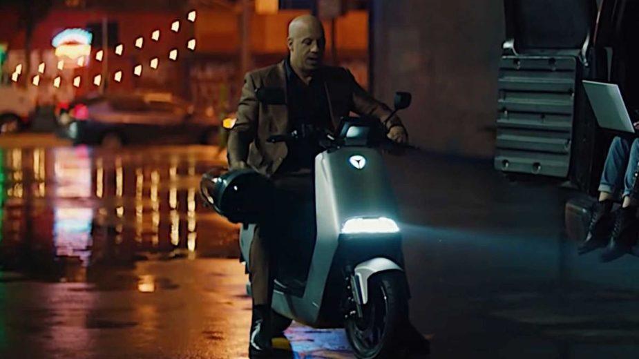 Vin Diesel Acelera elétrica, Yadea G5