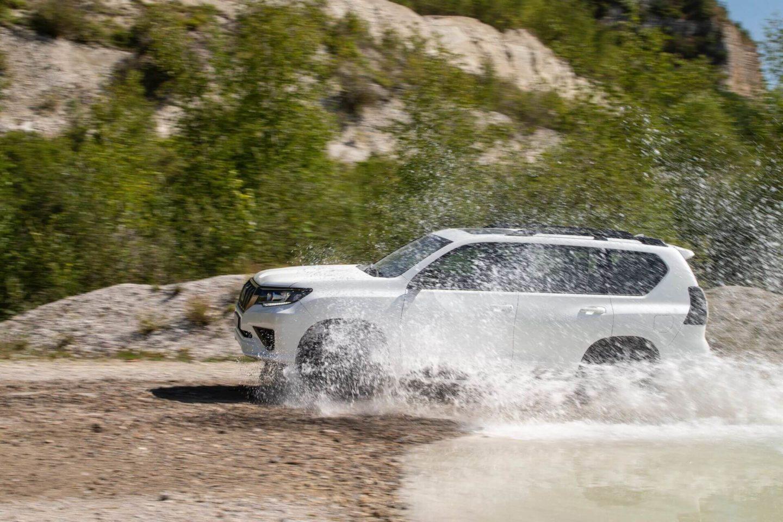 Toyota Land Cruiser 2020 Black Pack