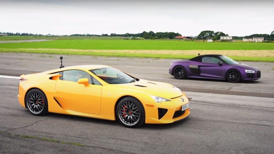 Lexus LFA vs Audi R8 spyder