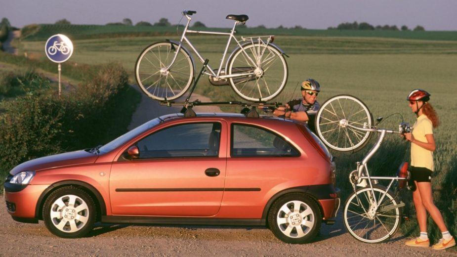 Opel Corsa transporte de bicicletas