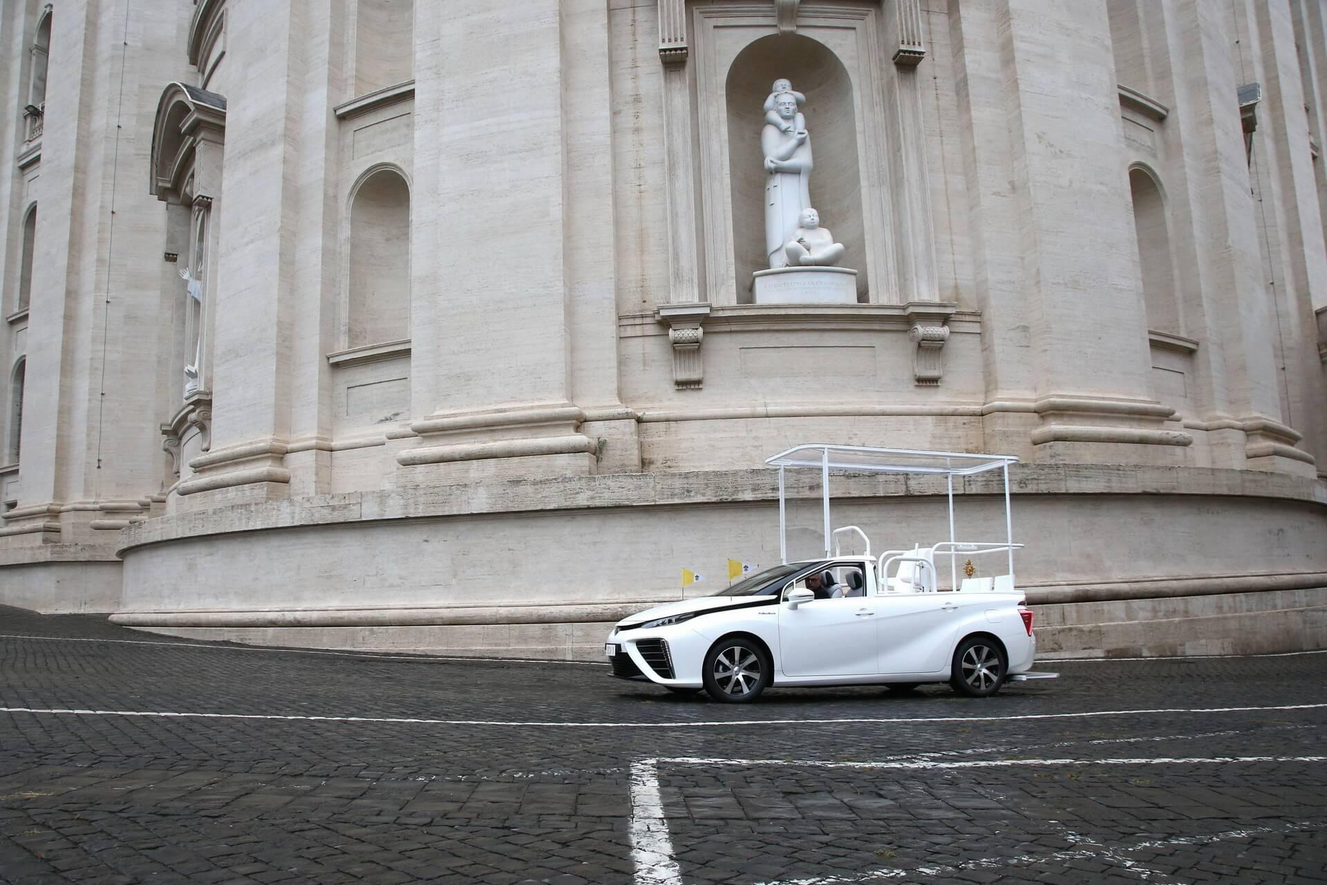 Toyota Mirai papamovel