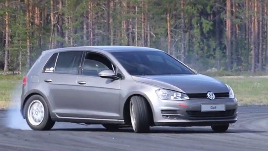 Volkswagen Golf V8 RWD