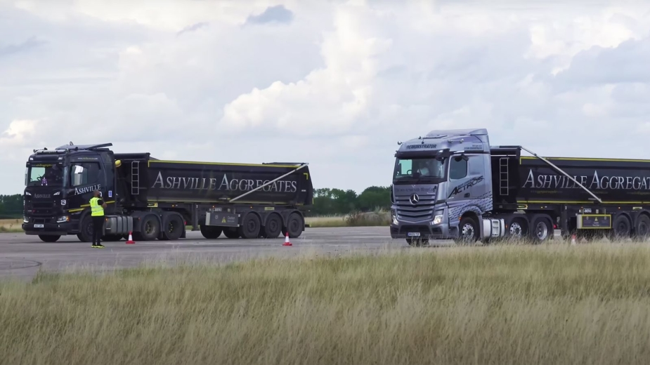 Mercedes-Benz Actros vs Scania R500