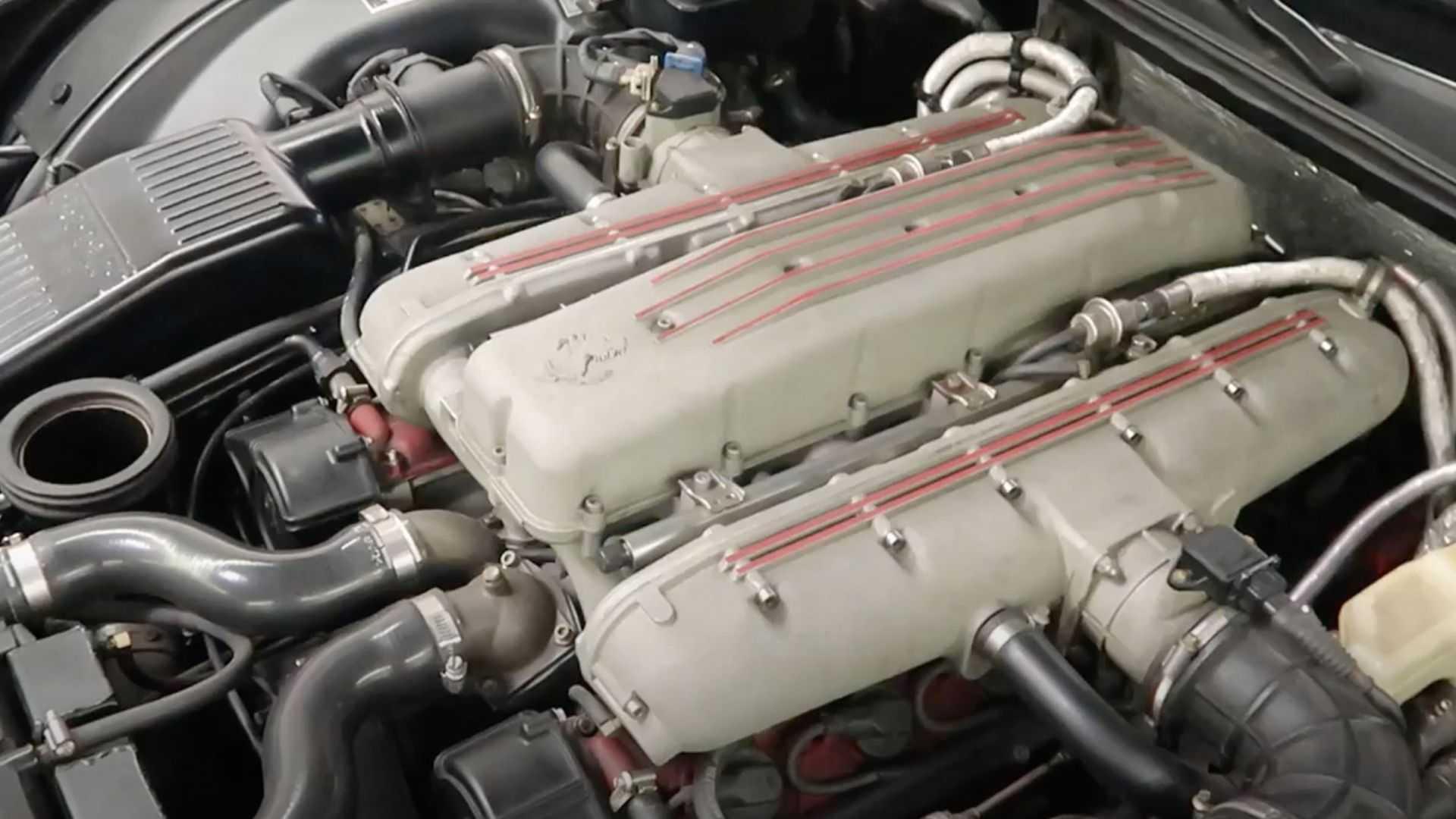 Motor V12 Ferrari