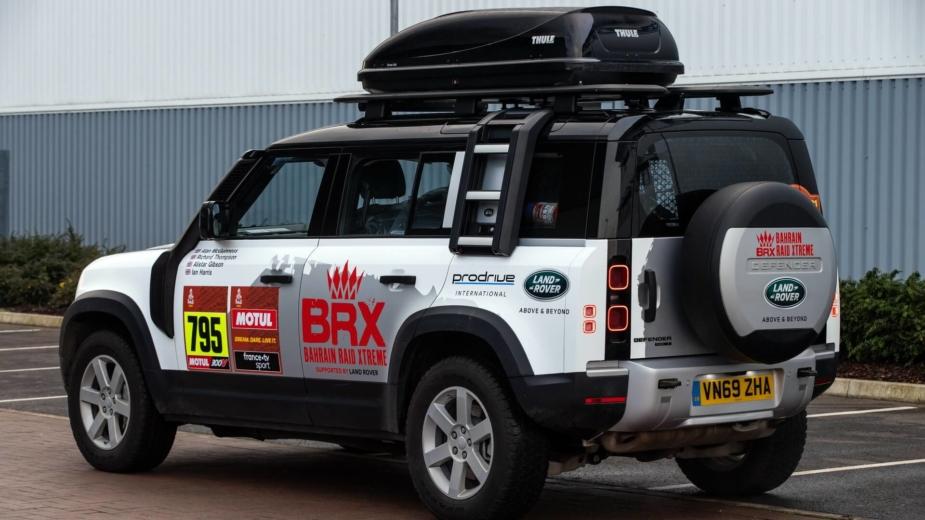 Land Rover Defender Dakar