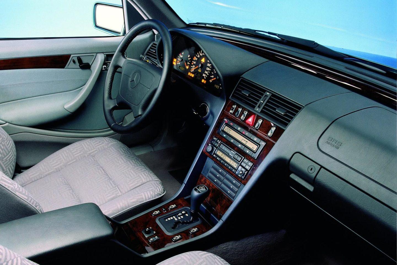 Mercedes-Benz Classe C interior 1994
