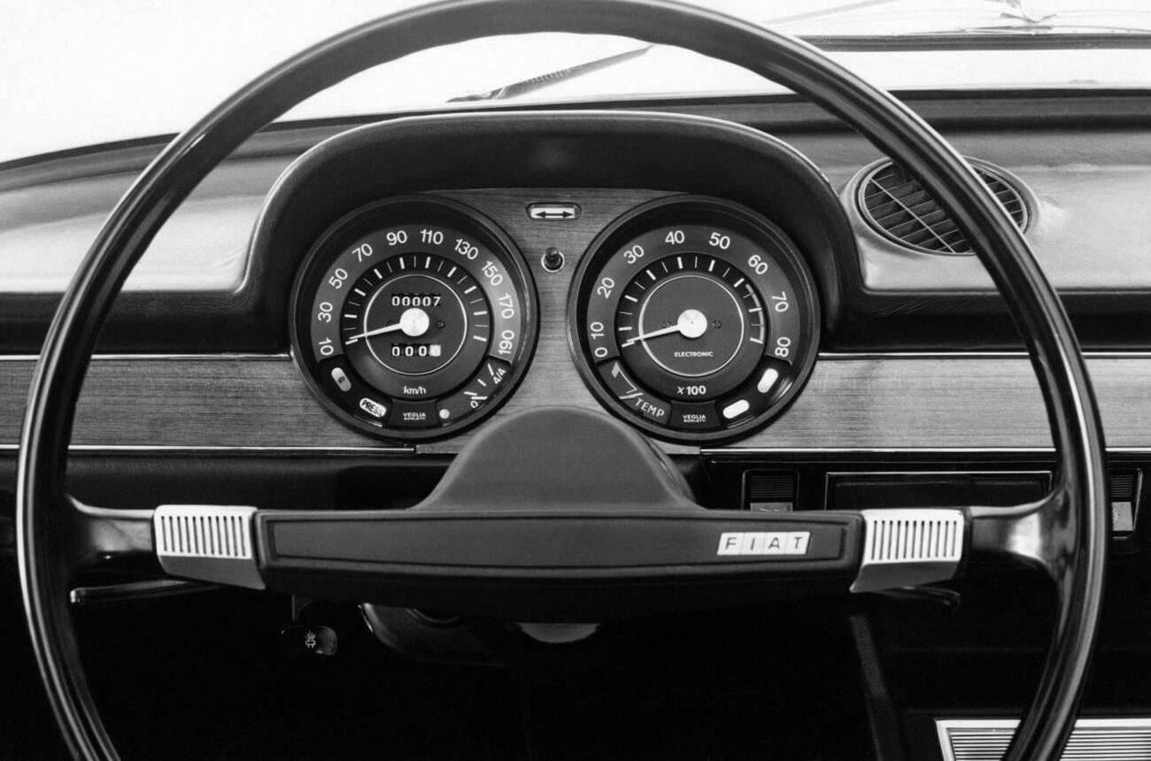 Painel de instrumentos Fiat 124