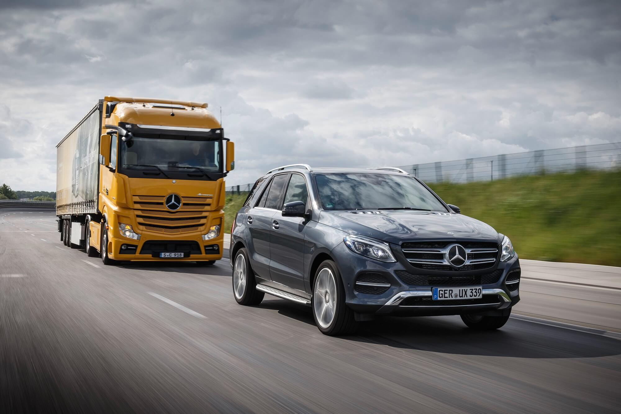 Mercedes-Benz SUV e camião