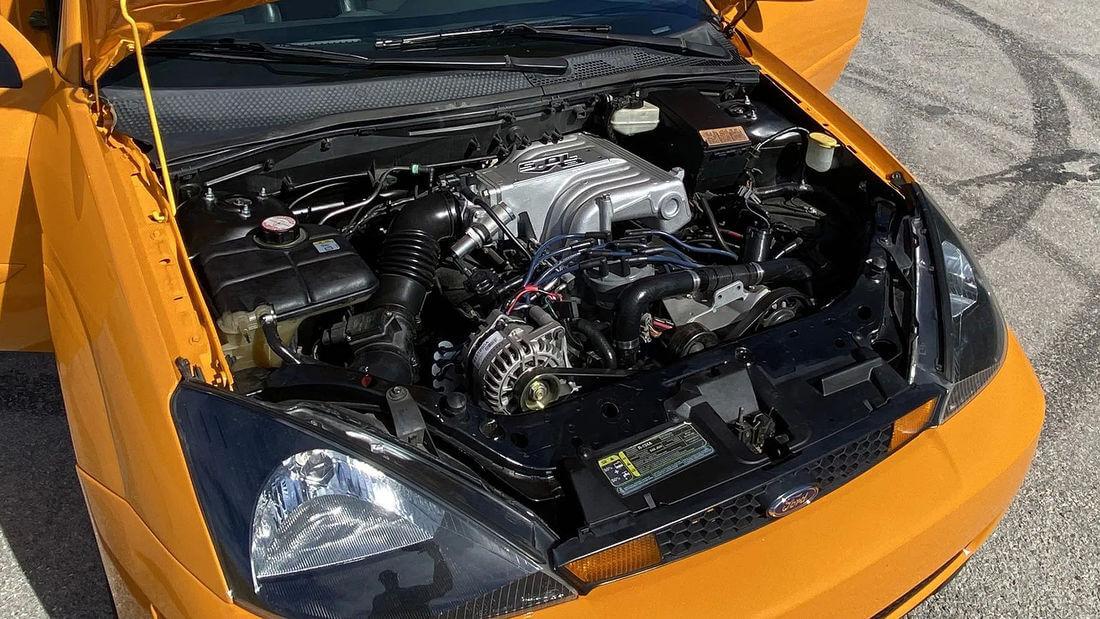 Ford Focus V8