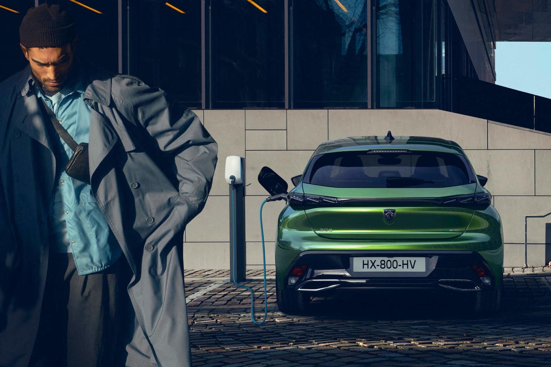 Peugeot 308 2021 a carregar