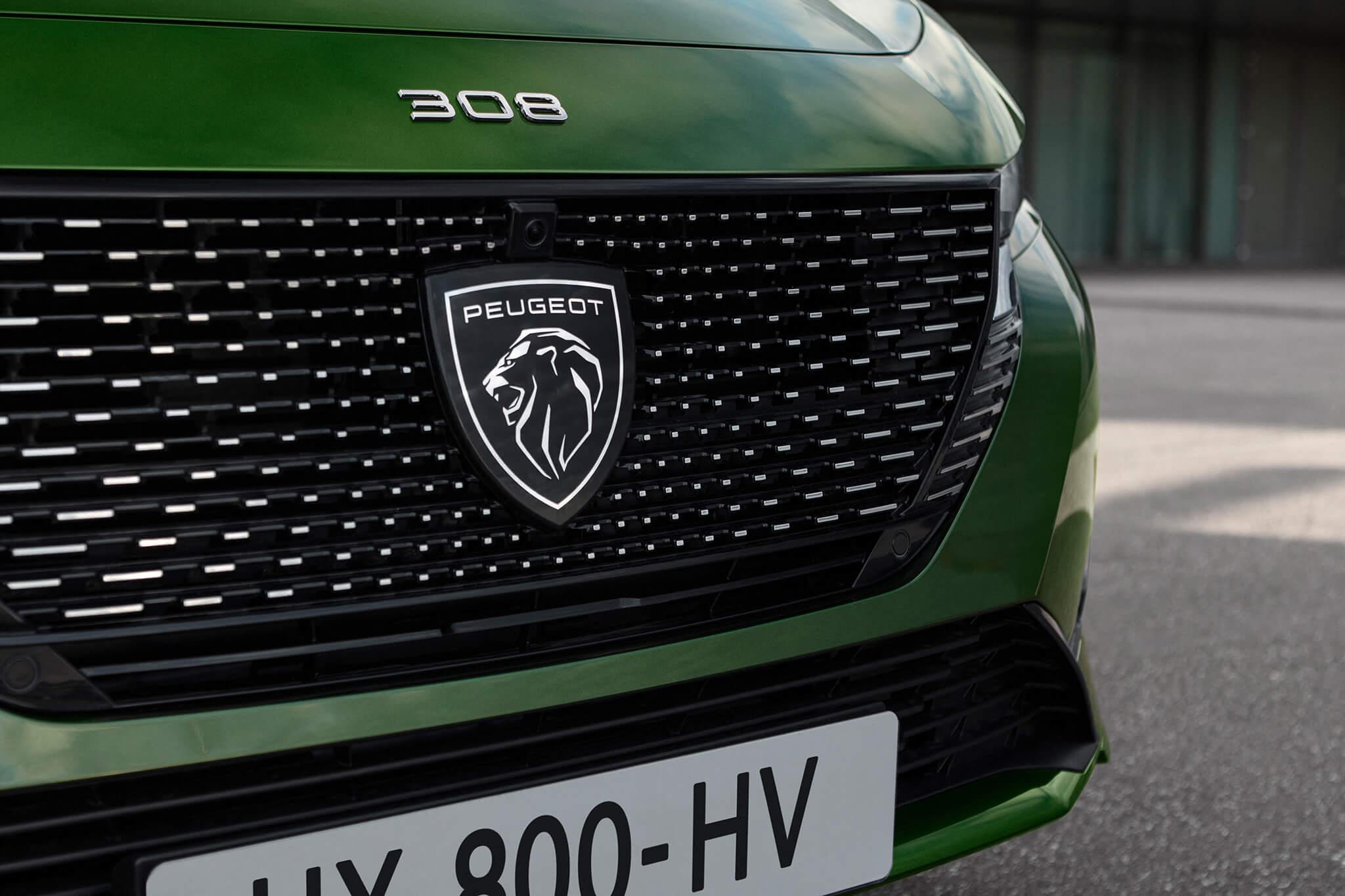 Grelha dianteira com novo símbolo Peugeot