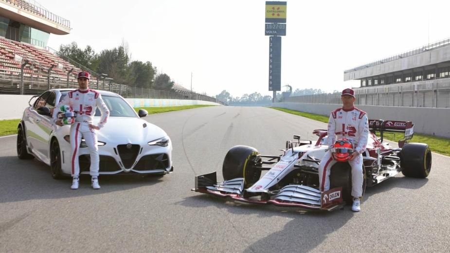 Alfa Romeo Giulia GTAm e C41 com Räikkönen e Giovinazzi