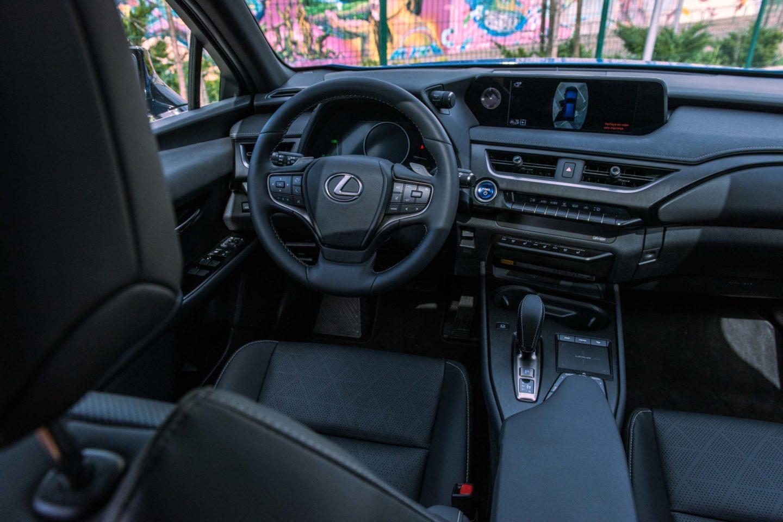 Tabliê Lexus Ux