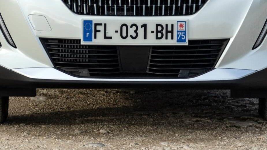 Peugeot 2008 matrícula francesa