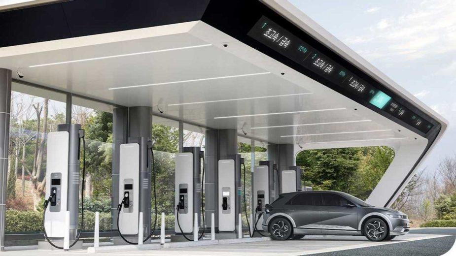 hyundai-motor-group-s-e-pit-fast-charging-station-2