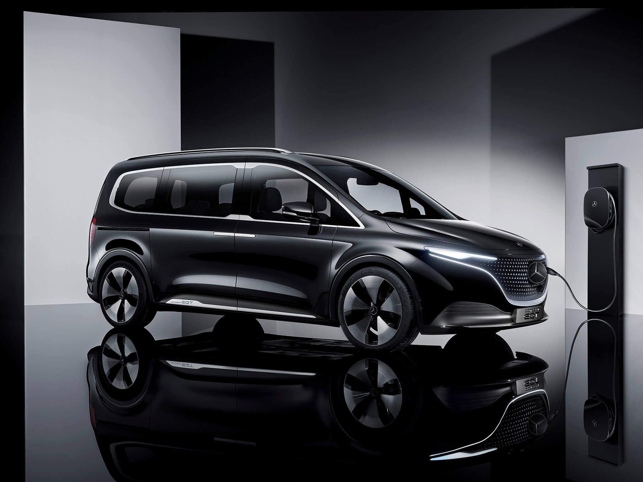 Mercedes-Benz EQT Concept a carregar