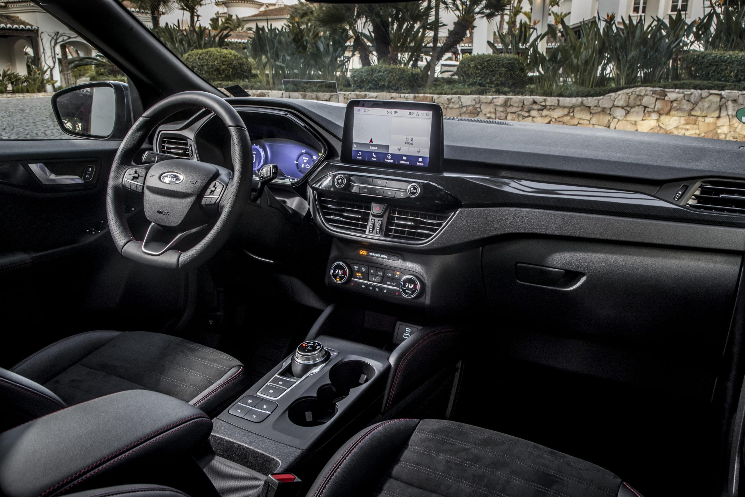 Ford Kuga interior portugal