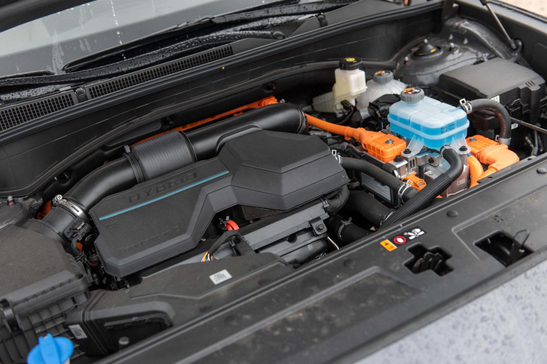 Hyundai Santa Fe HEV