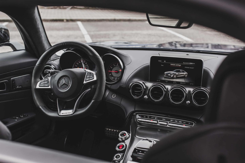 VALTTERI BOTTAS VENDE MERCEDES-AMG GT S