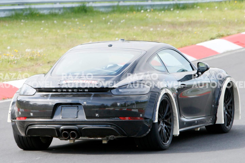 Porsche 718 Cayman mula de testes