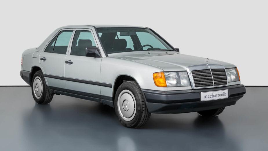 Mercedes-benz W124_230E 1