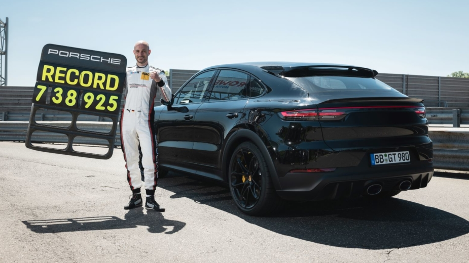 Porsche Cayenne Coupe Turbo recorde Nurburgring