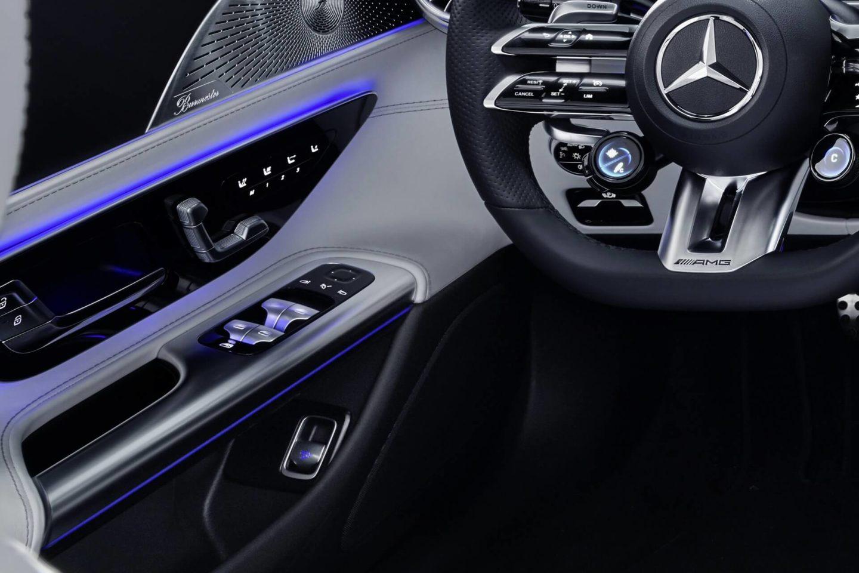 El interior del nuevo Mercedes-AMG SL R232