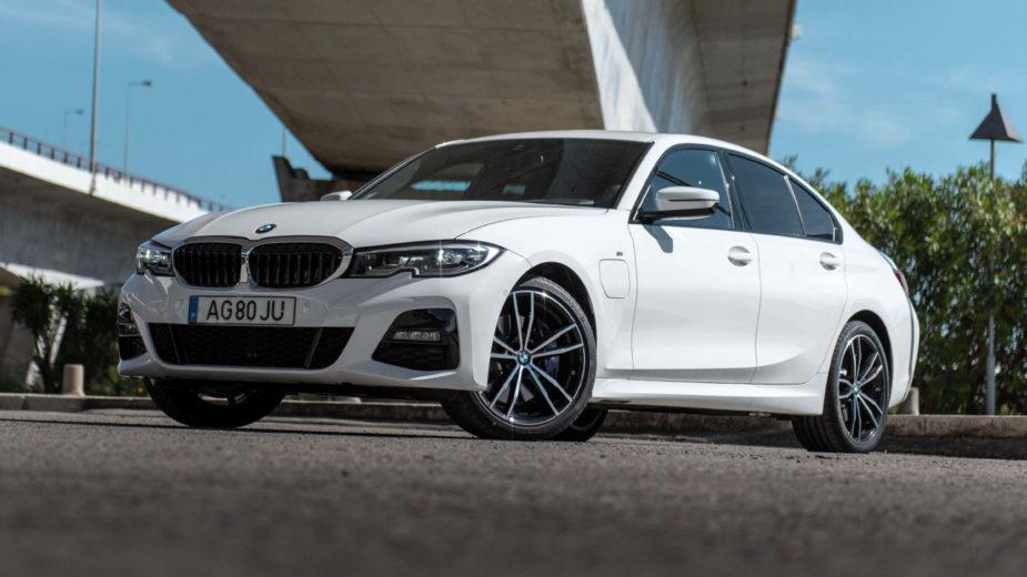 BMW-320e