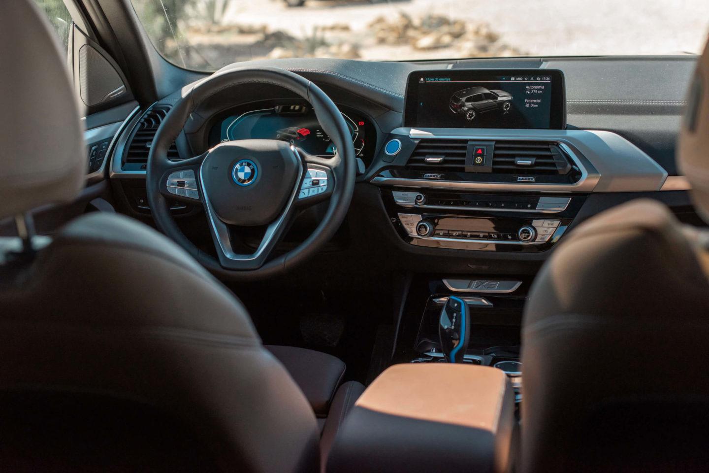 BMW iX3 SUV elétrico