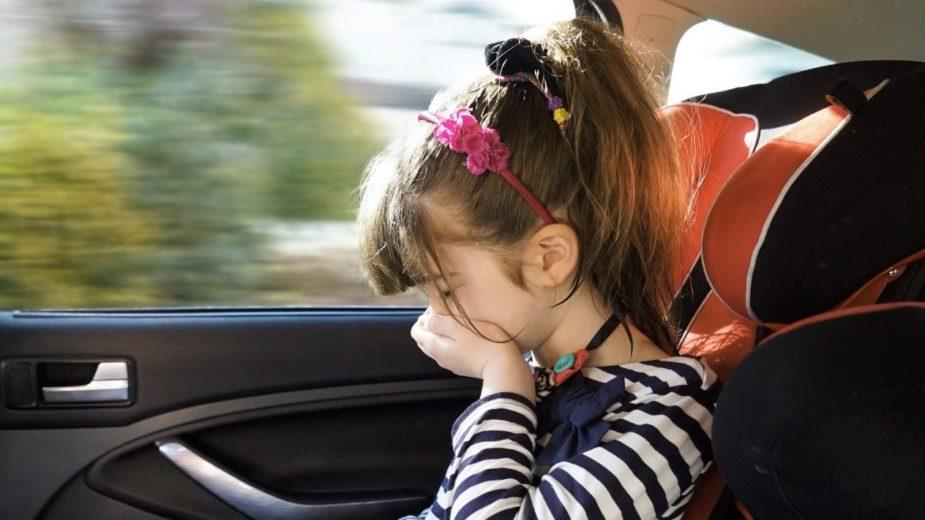 Enjoar no automóvel