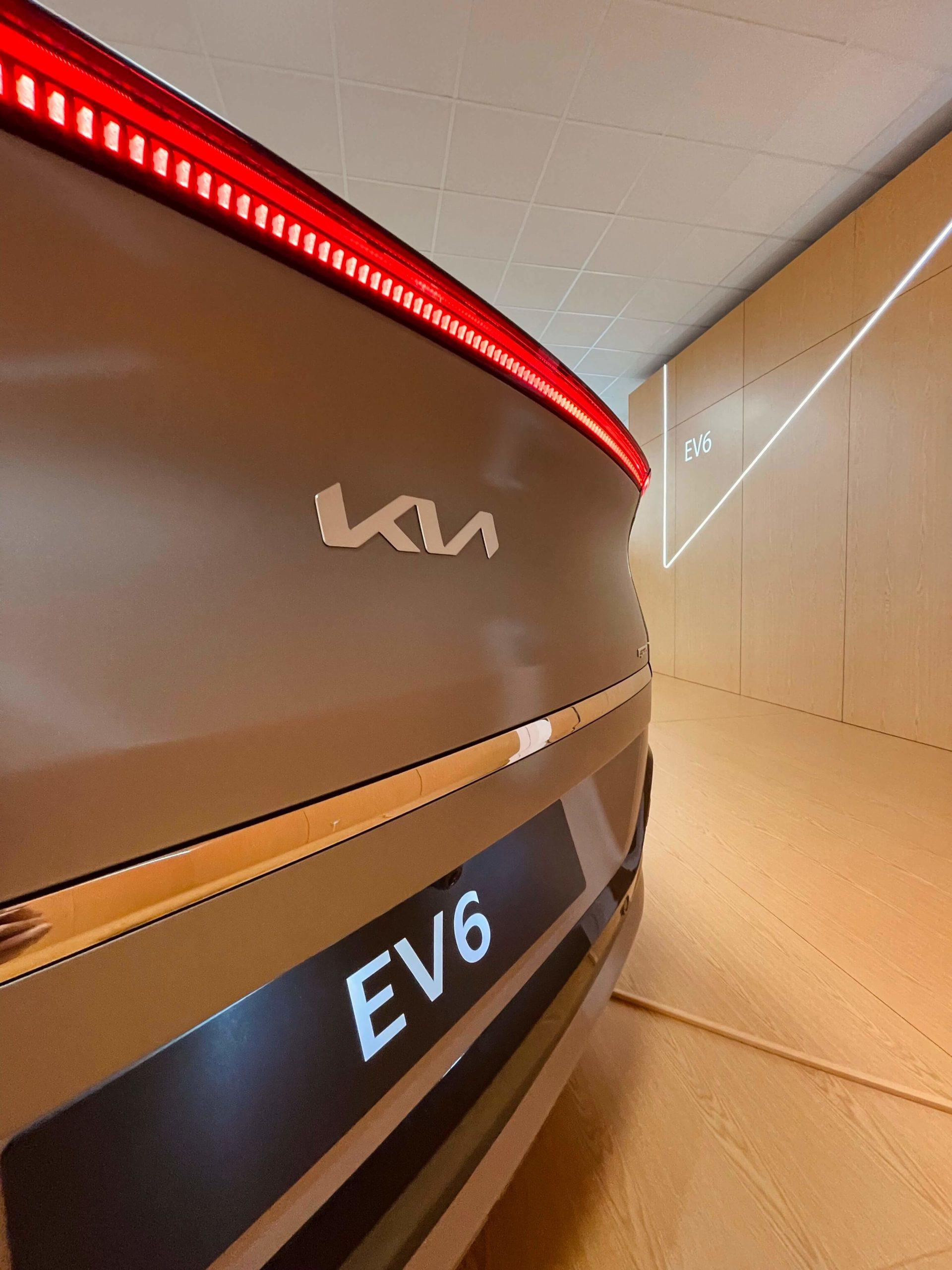 Kia Vibe EV6 8
