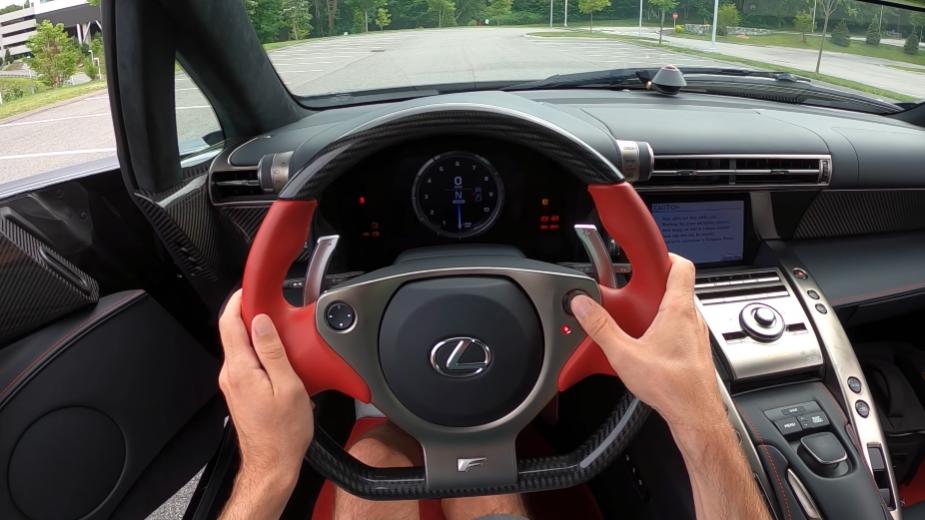 Lexus LFA barulho motor V10