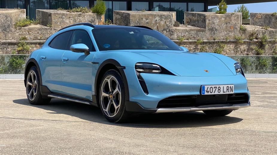 Porsche Taycan Cross Turismo 4S.