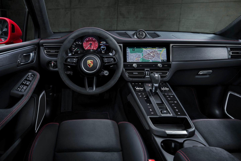 Porsche Macan GTS interior 2022