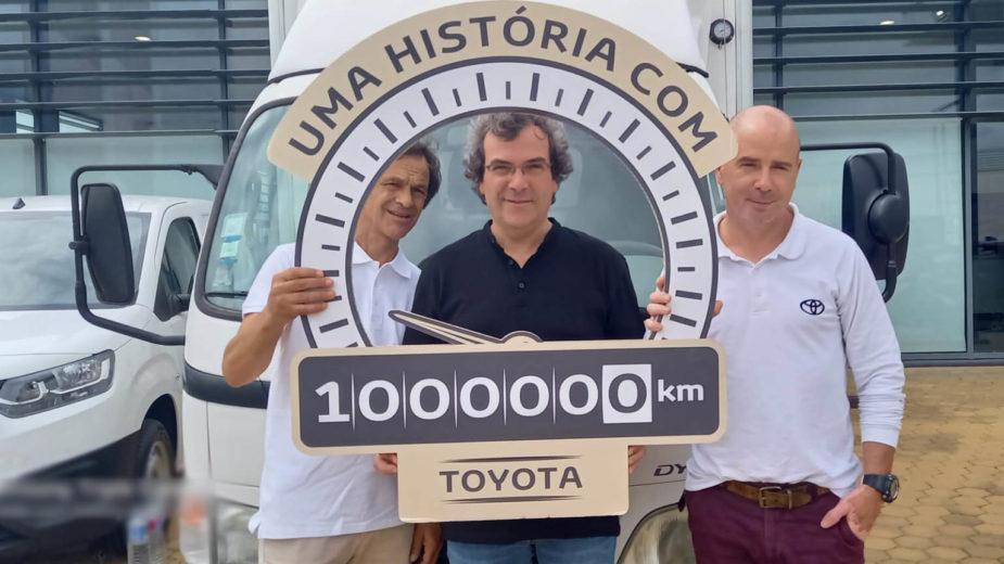 Toyota Dyna 1 milhão